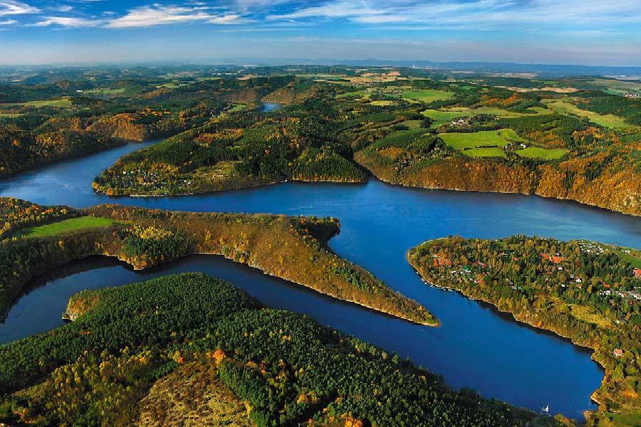 Štěchovice Water Reservoir is a part of the Vltava cascade, photo by: Libor Sváček, archiv Vydavatelství MCU s.r.o.
